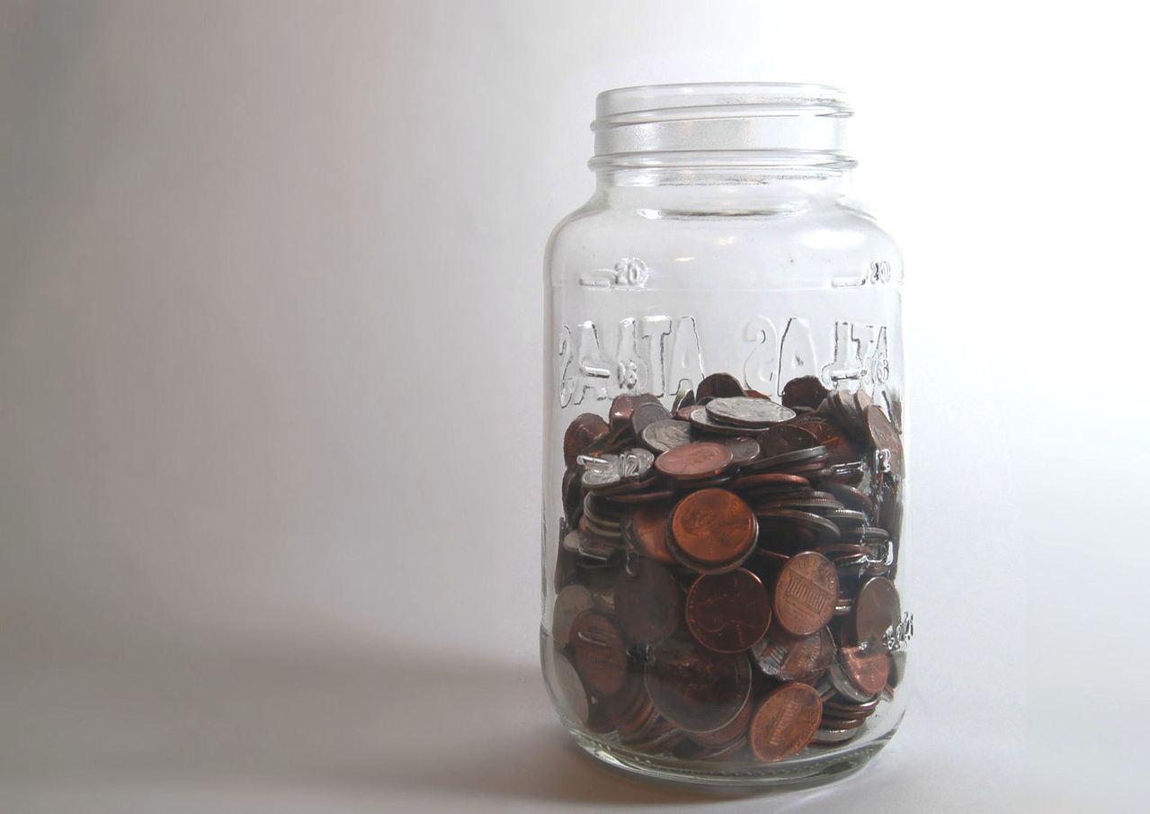 Cómo ahorrar dinero cuando viaja solo