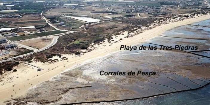 playa-de-las-tres-piedras-chipiona